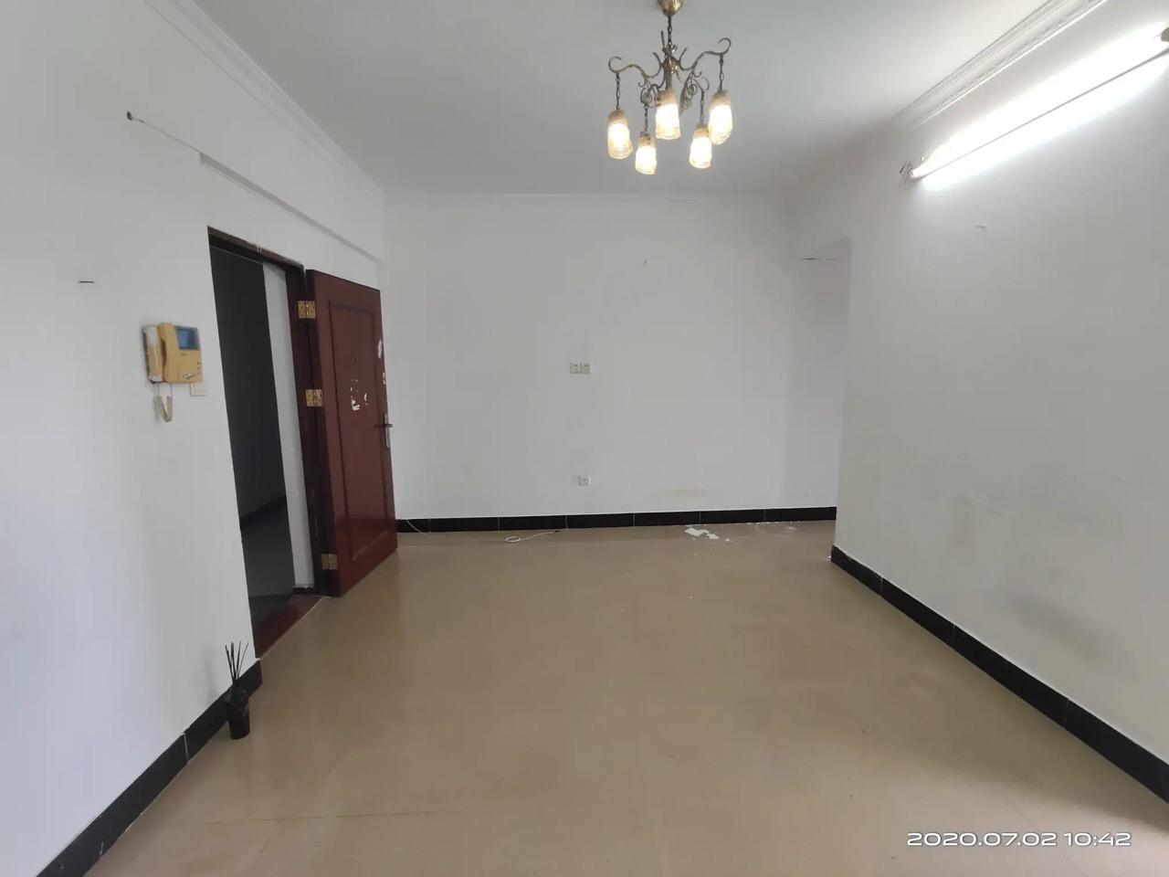 地铁口上盖 鸣翠花园 一房一厅可改两房 03年楼