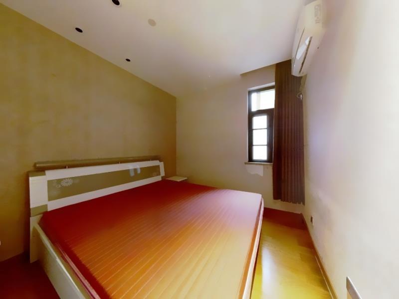 绿地滨江汇2室1厅1卫南朝向仅185万元