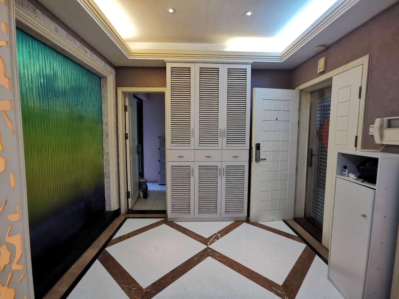 丽景湾4室2厅2卫南朝向仅1400万元